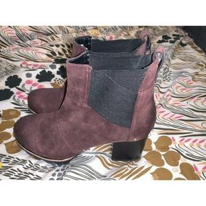 Sorel heel burgundy boots size 41/10